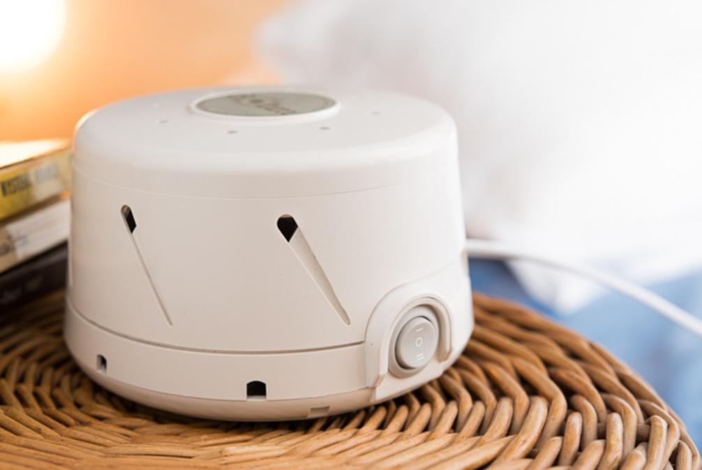 best white noise machine 06 the popular home. Black Bedroom Furniture Sets. Home Design Ideas